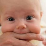 Ի՞նչ անել, եթե երեխաս կուրծք ուտելուց կծում է