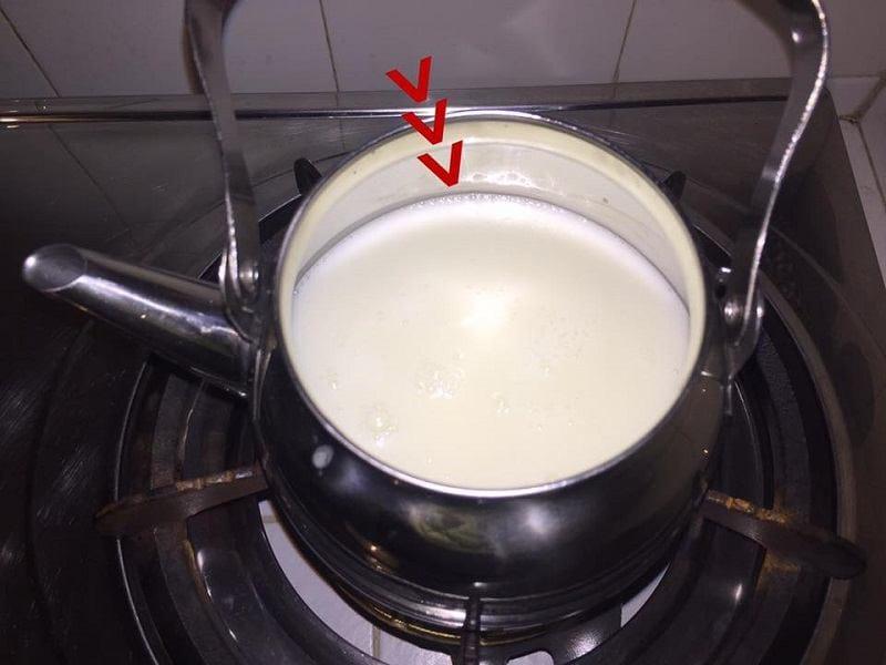 Իմ կթած կաթը տարօրինակ համ և հոտ ունի: Ի՞նչ կարող եմ անել: