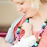 Կերակրելու ժամանակ երեխան քաշքշում է երկրորդ կուրծքը: Ի՞նչ անել: